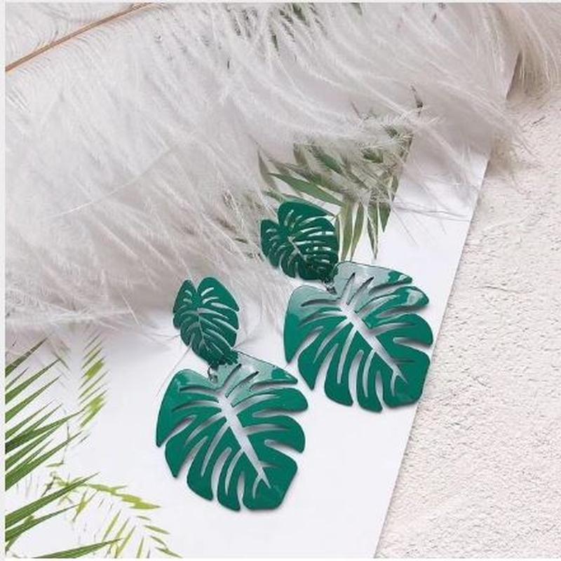 Длинные яркие серьги листья зеленого цвета - Фото 2