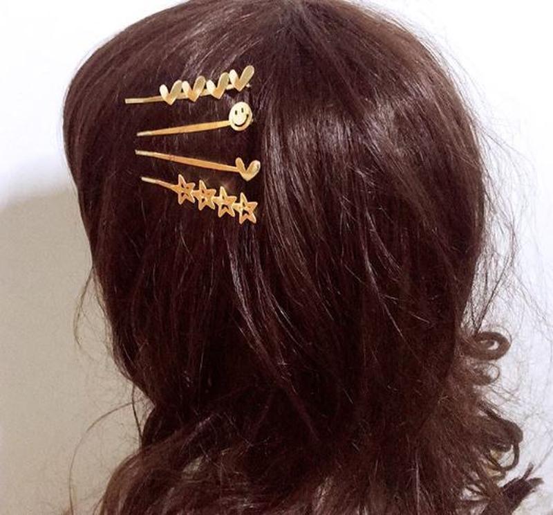 Заколка невидимка для волос золотистого цвета смайлик - Фото 2