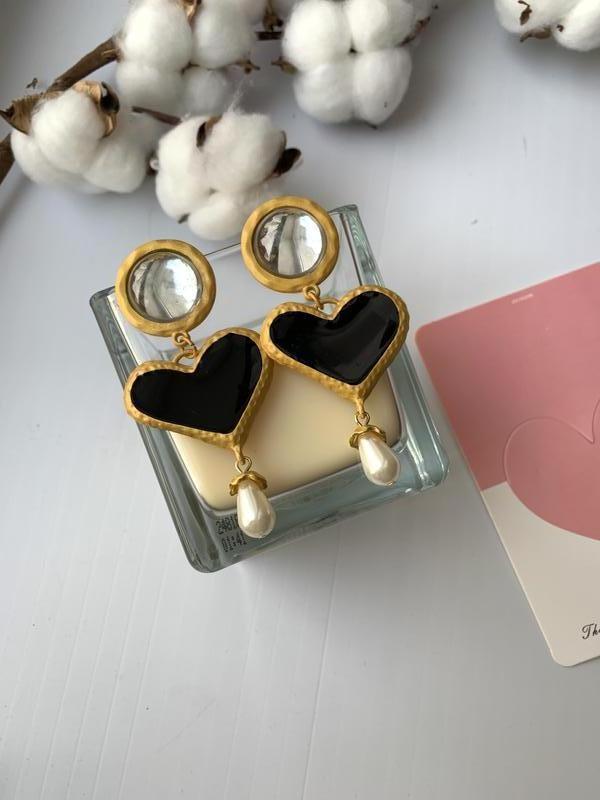 Крупные стильные женские серьги сердце, жемчуг - Фото 2