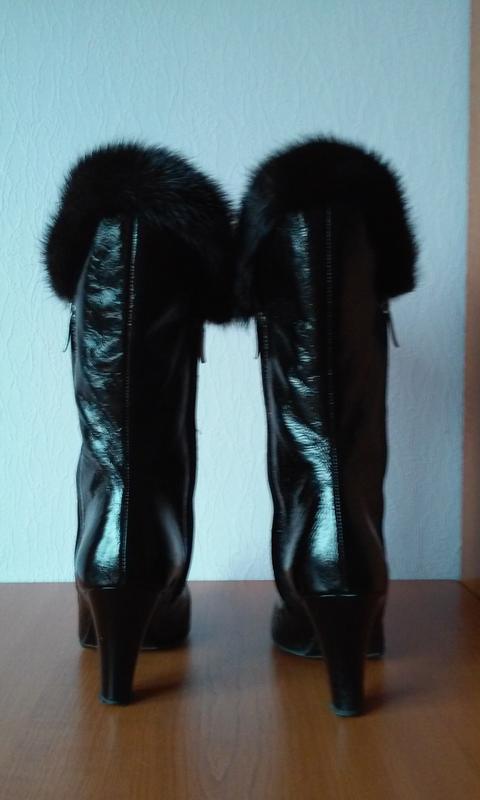 Италия черные зимние сапоги натуральная лак кожа норка утеплит... - Фото 2