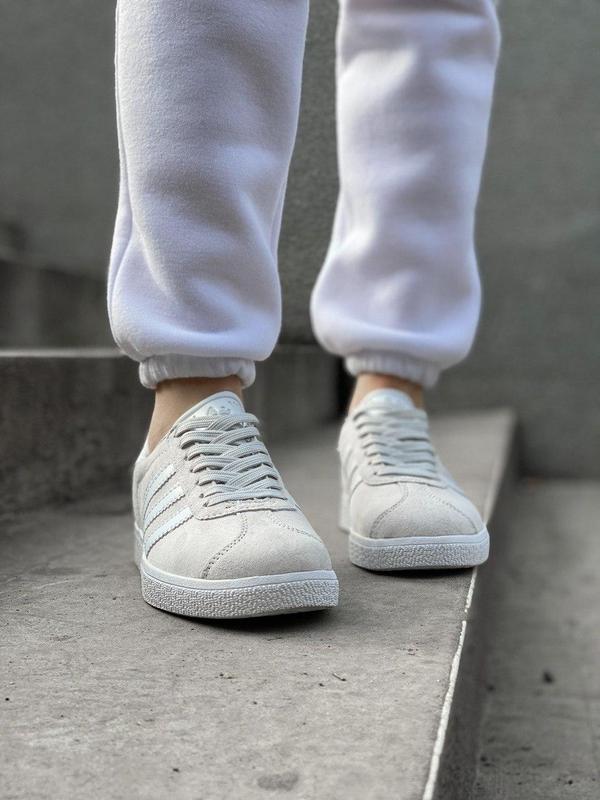 Женские кроссовки adidas gazelle grey - Фото 2