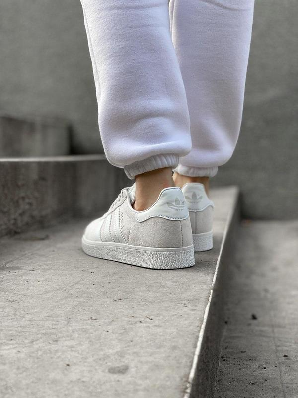 Женские кроссовки adidas gazelle grey - Фото 3