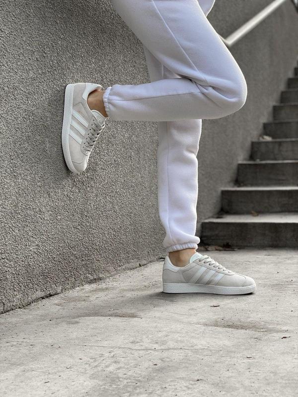 Женские кроссовки adidas gazelle grey - Фото 10