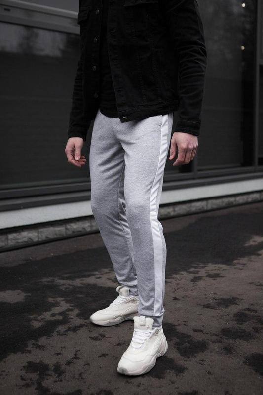 Мужские спортивные штаны серого цвета - Фото 2