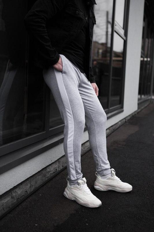 Мужские спортивные штаны серого цвета - Фото 3