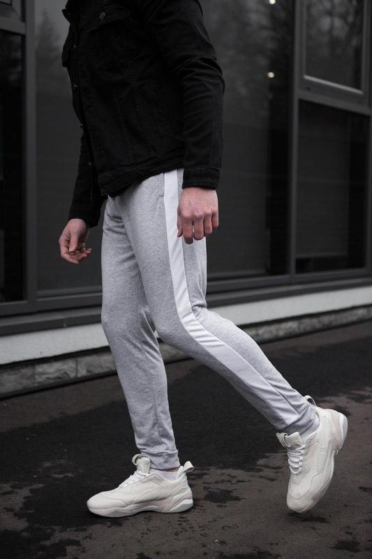 Мужские спортивные штаны серого цвета - Фото 4