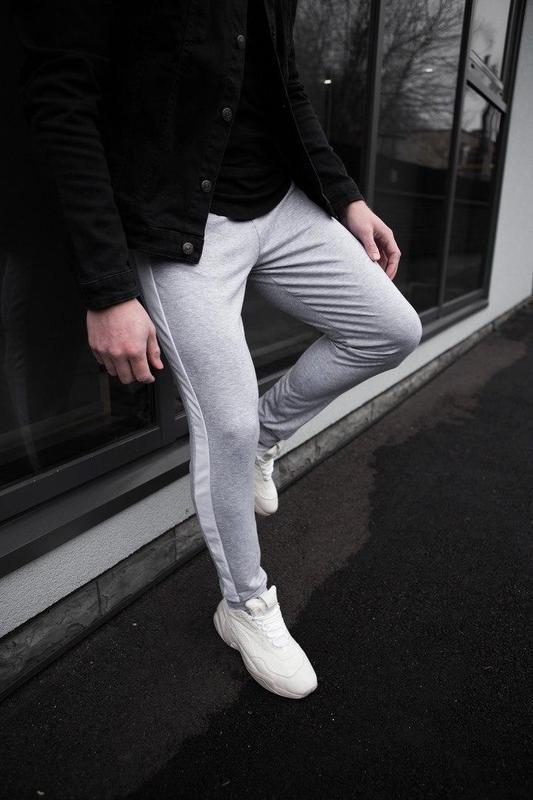 Мужские спортивные штаны серого цвета - Фото 5