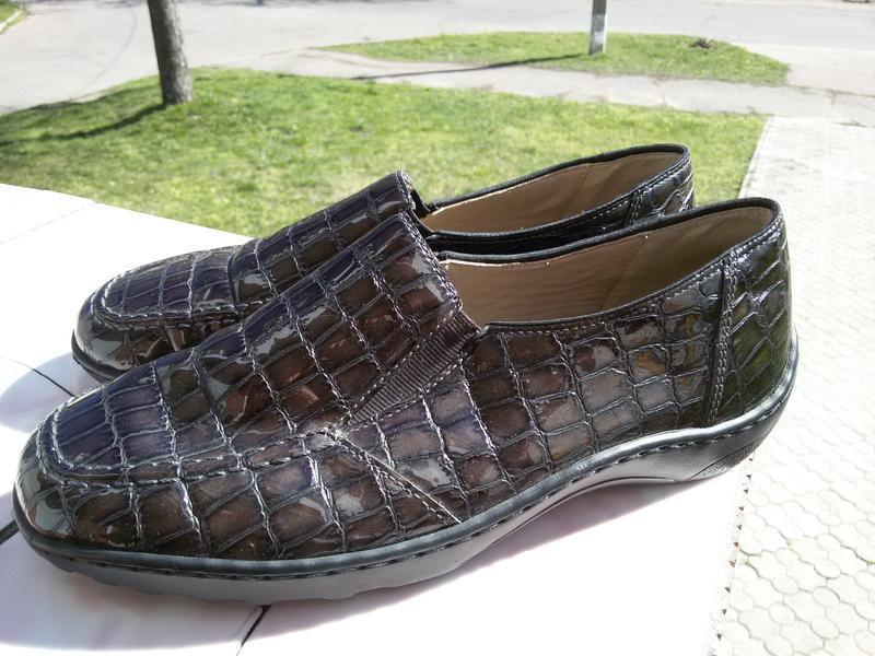 Стильные комфортные лаковые туфли на широкую стопу