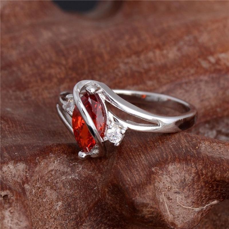 🏵красивое кольцо в серебре 925 с гранатом фианитами, 18 р., но... - Фото 2