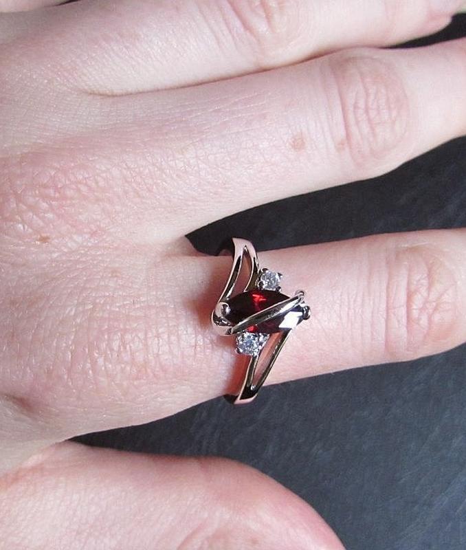 🏵красивое кольцо в серебре 925 с гранатом фианитами, 18 р., но... - Фото 4
