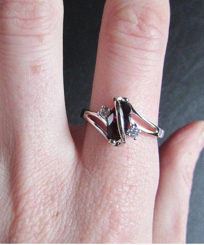 🏵красивое кольцо в серебре 925 с гранатом фианитами, 18 р., но... - Фото 5