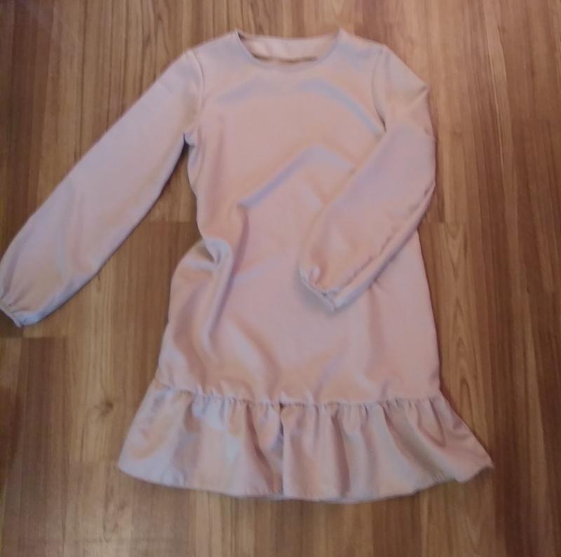 Платье с рюшиками, размер m-l