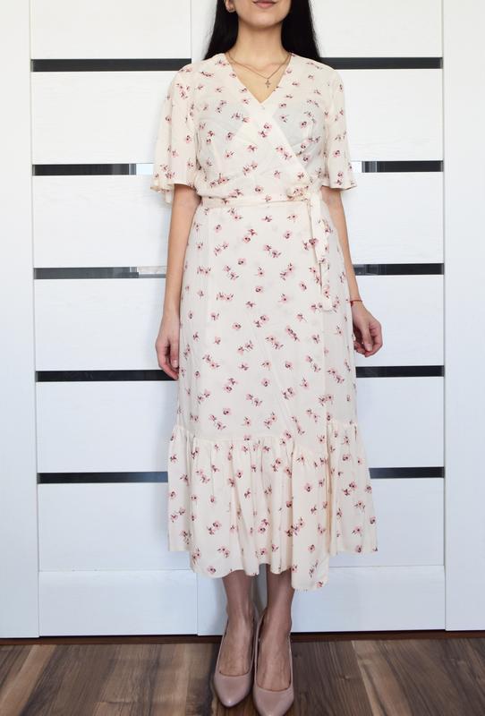 Платье в цветы primark (новое, с биркой)