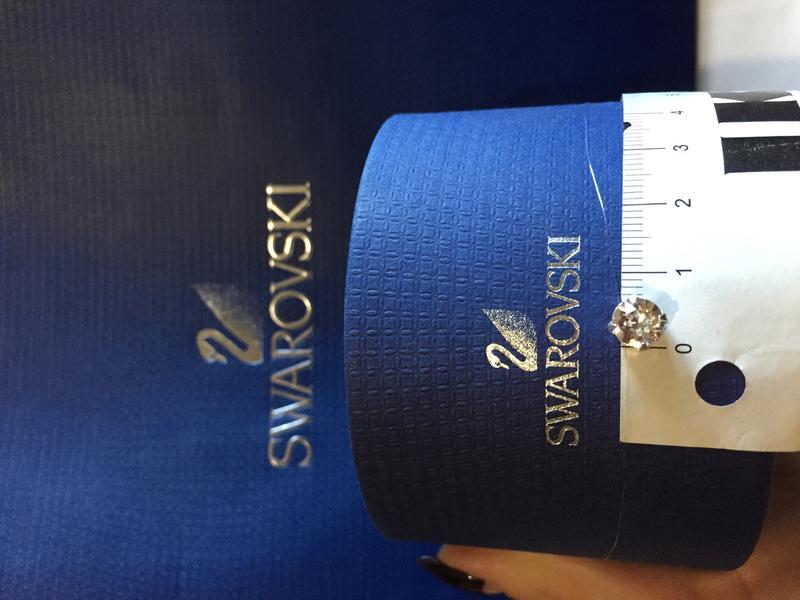 Камушек, кристалл Swarovski на леске