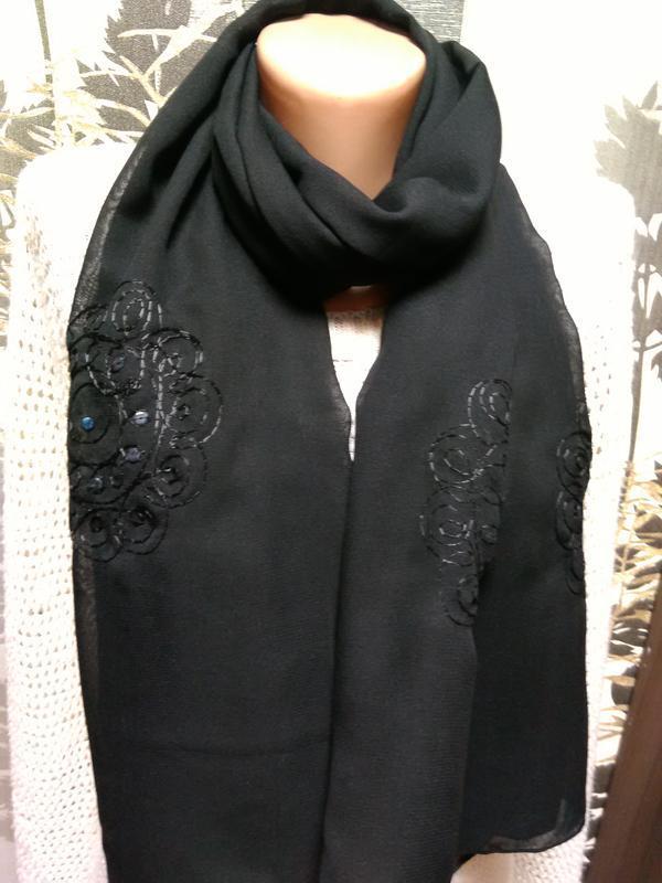 Шарф- палантин с вышивкой в идеальном состоянии - Фото 2
