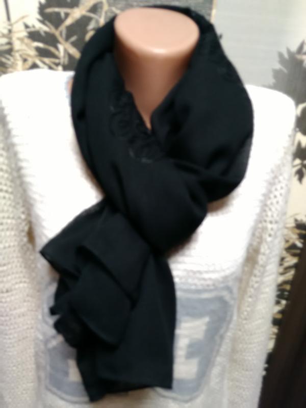 Шарф- палантин с вышивкой в идеальном состоянии - Фото 5