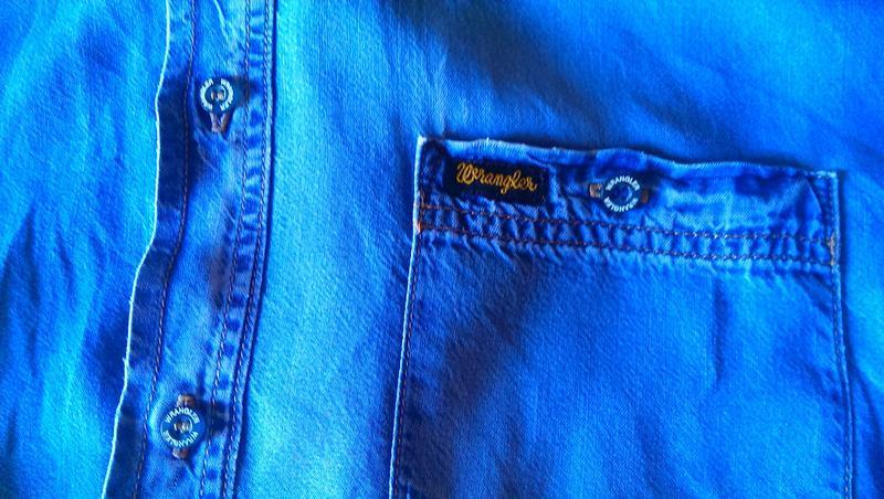 Фирменная джинсовая рубашка - Фото 3