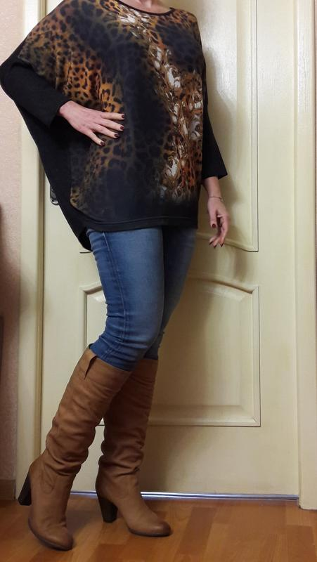 Свитер -блуза темно-серая ,,цветы на леопардовом принте свобод... - Фото 2