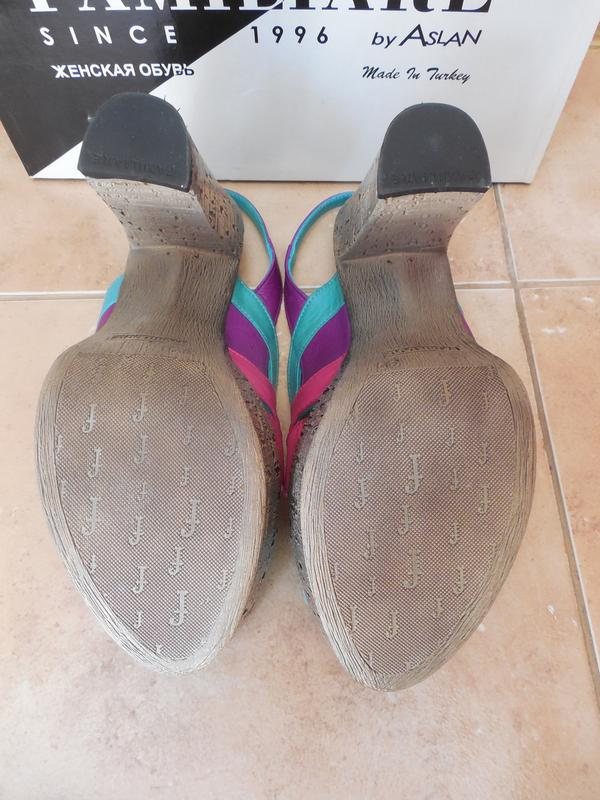 Удобные женские кожаный босоножки на каблуке - Фото 4