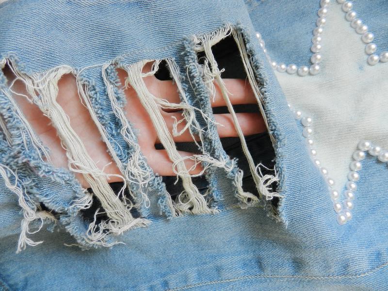 ✅ рваная джинсовая жилетка с жемчугом - Фото 5