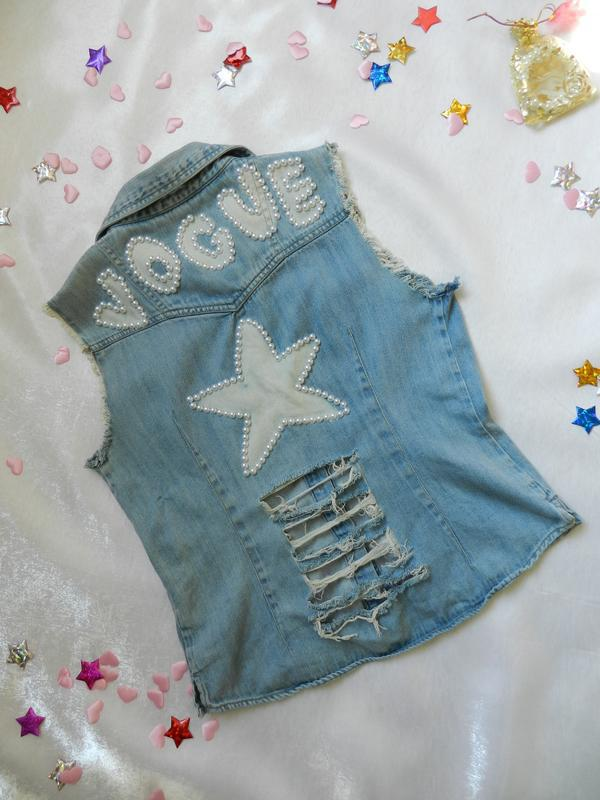 ✅ рваная джинсовая жилетка с жемчугом - Фото 7