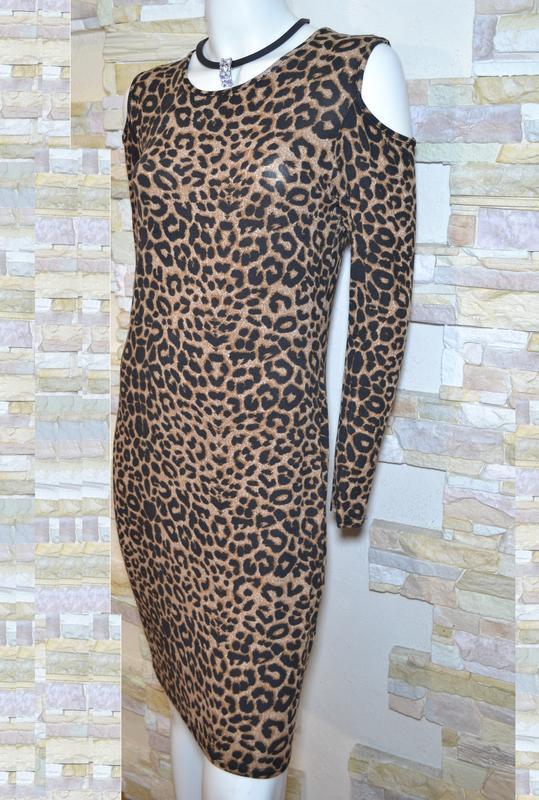 Трикотажное платье с леопардовым принтом 1000 пар обуви тут!
