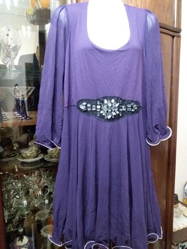 Нарядное платье  размера-52 54р         вискоза