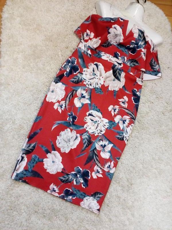 Роскошное  бандажное  платье бюстье с воланом   бренд style wise