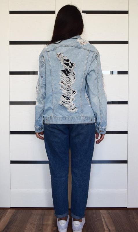 Джинсовая куртка с рваностями topshop - Фото 5