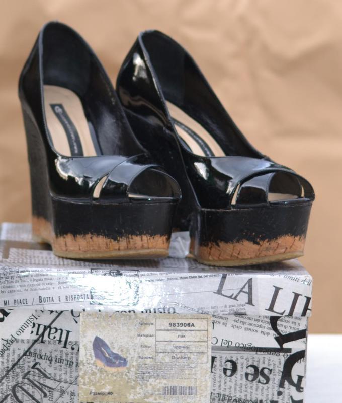 Туфли от luciano carvari