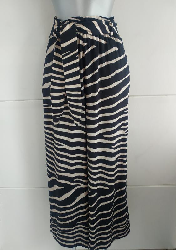 Стильные широкие брюки h&m с принтом зебра