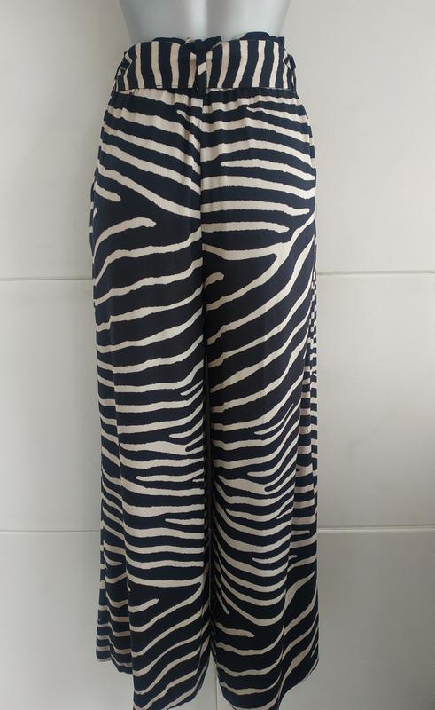 Стильные широкие брюки h&m с принтом зебра - Фото 3
