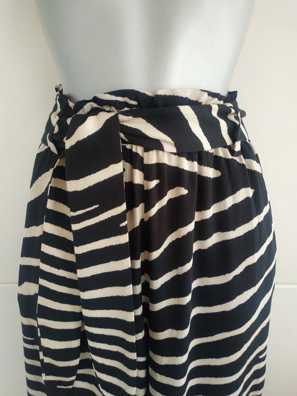Стильные широкие брюки h&m с принтом зебра - Фото 4