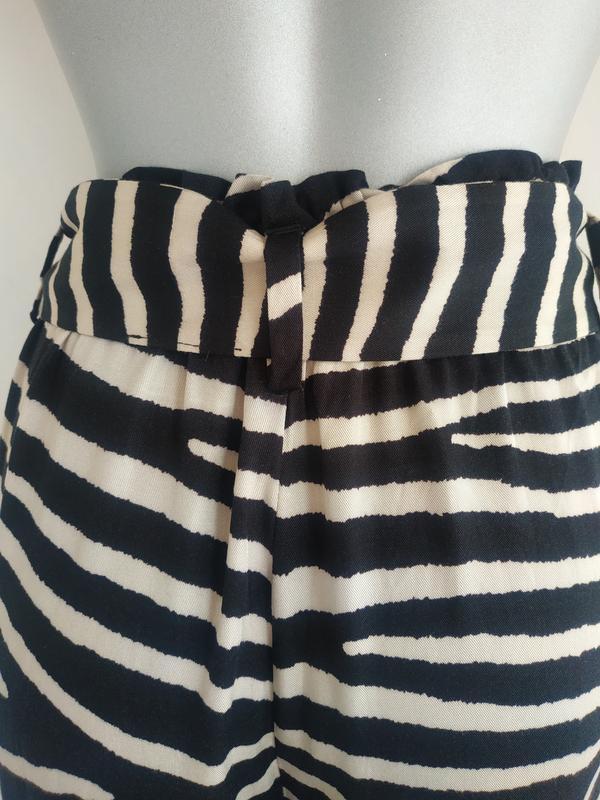 Стильные широкие брюки h&m с принтом зебра - Фото 7