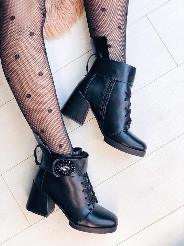 Зимние ботинки на каблуках с пряжкой черевики ботильони ботильоны - Фото 3