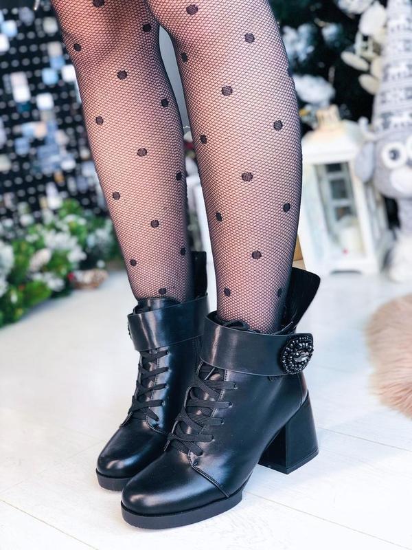 Зимние ботинки на каблуках с пряжкой черевики ботильони ботильоны - Фото 6