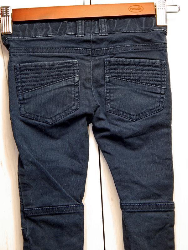Стильные джинсы на мальчика - Фото 2