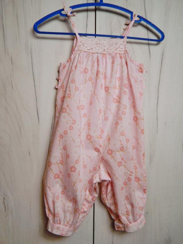 Розовый песочник-комбинезон на 3-6месяцев