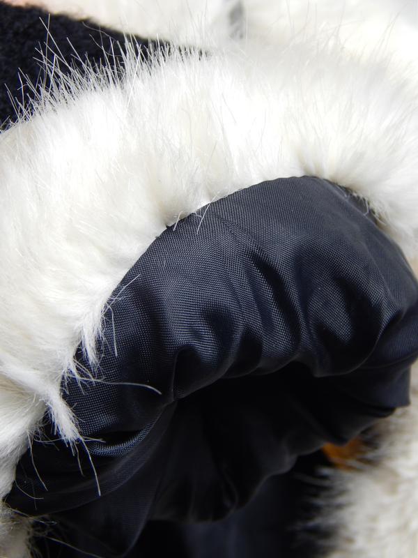 Весеннее шерстяное пальто с меховым воротником и манжетами - Фото 3