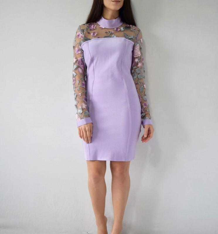 Платье с вышивкой (новое, с биркой) missguided