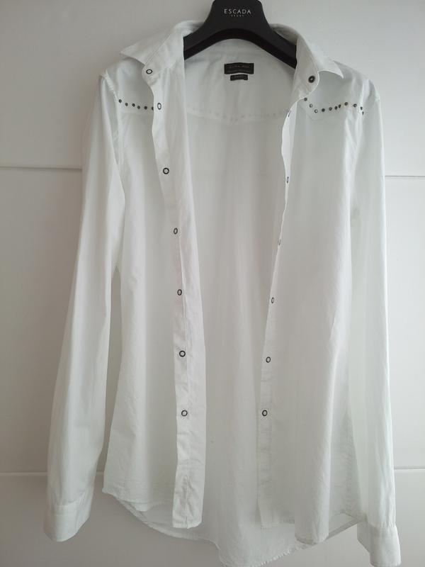 Очень стильная рубашка zara man белого цвета с декоративными д... - Фото 2