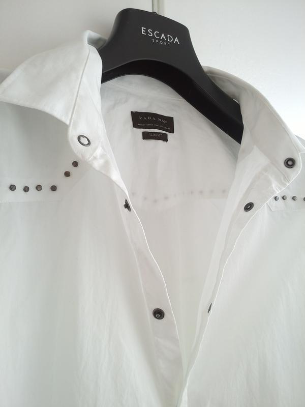 Очень стильная рубашка zara man белого цвета с декоративными д... - Фото 3