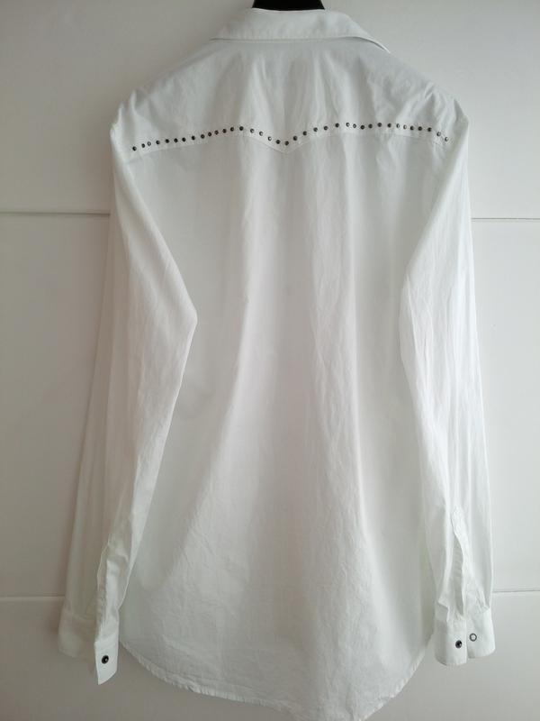 Очень стильная рубашка zara man белого цвета с декоративными д... - Фото 4
