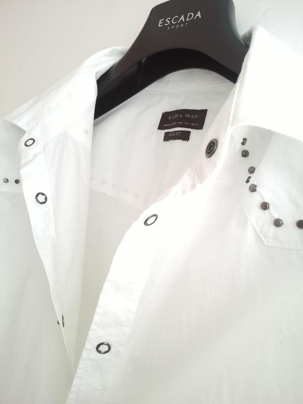 Очень стильная рубашка zara man белого цвета с декоративными д... - Фото 5