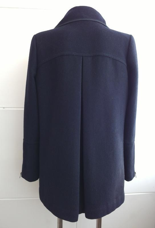 Стильное шерстяное пальто topshop темно-синего цвета - Фото 2