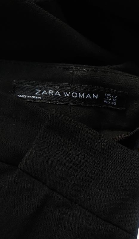 Стильные зауженные брюки zara базового черного цвета с карманами - Фото 6