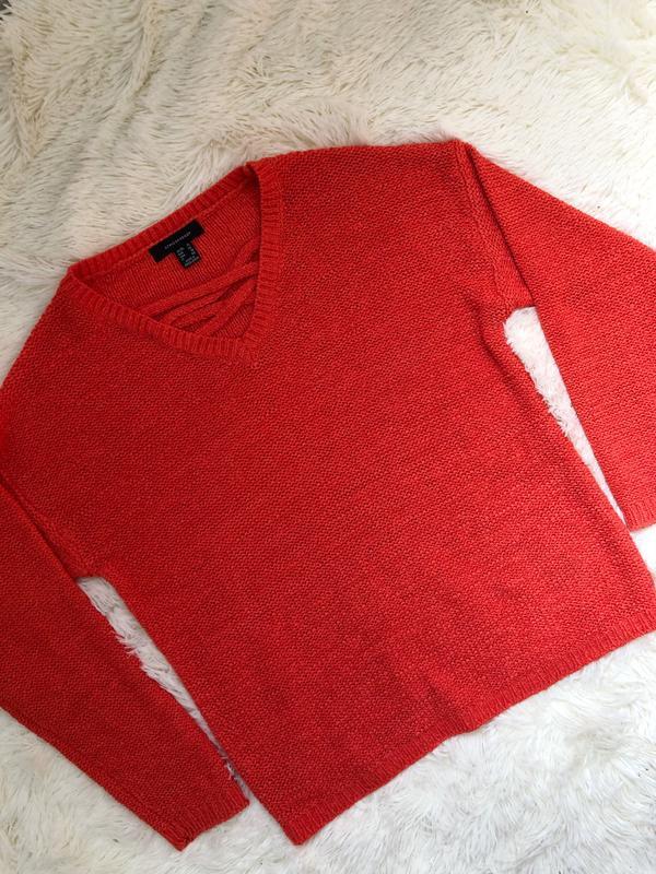 Стильный яркий свитер atmosphere