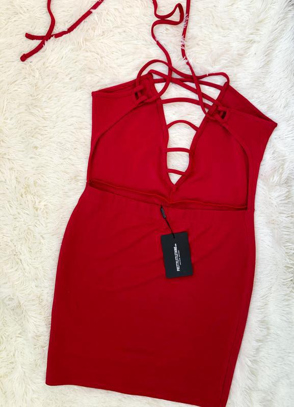 Новое с биркой шикарное красное платье prettylittlething - Фото 4