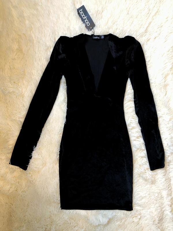 Новое с биркой шикарное чёрное велюровое платье boohoo - Фото 2
