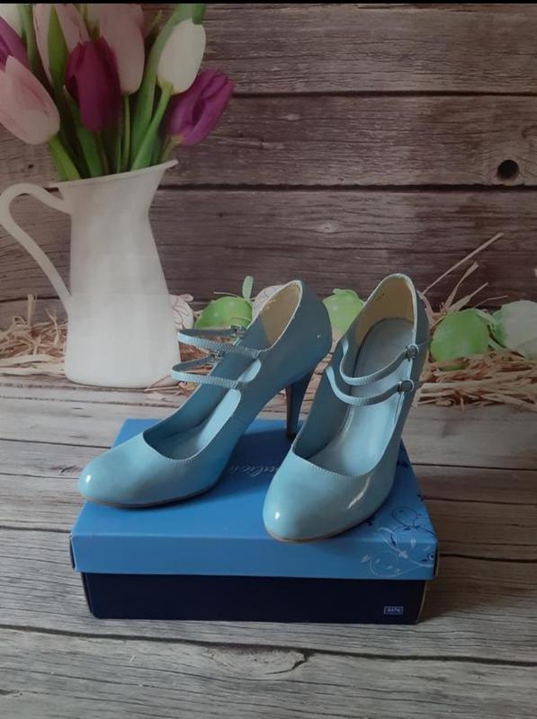 Новые лаковые туфли лодочки